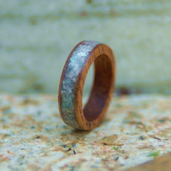 кольцо из дерева