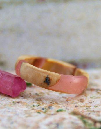 кольцо дерево и смола
