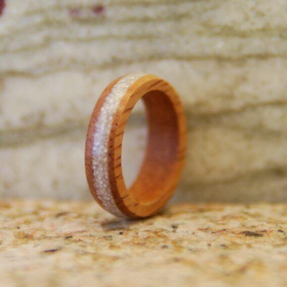 кольцо из дерева space ikra