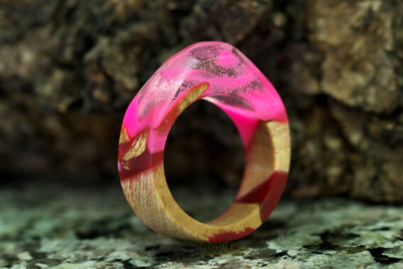 Кольцо из дерева и смолы wooden ring with epoxy