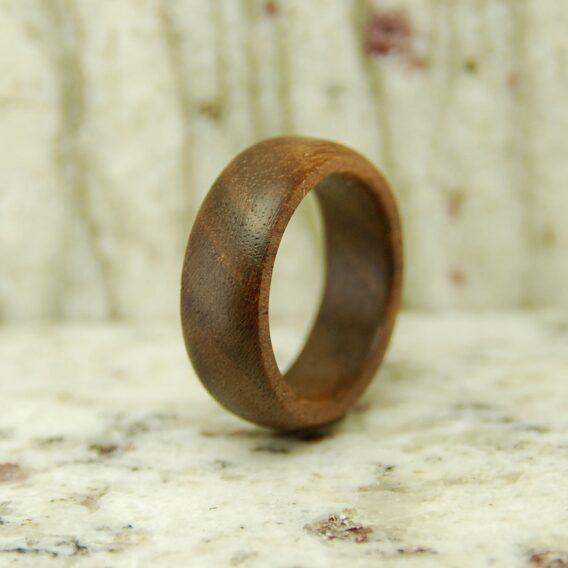 кольцо из дерева американский орех Wooden ring walnut Деревянное кольцо Американский орех