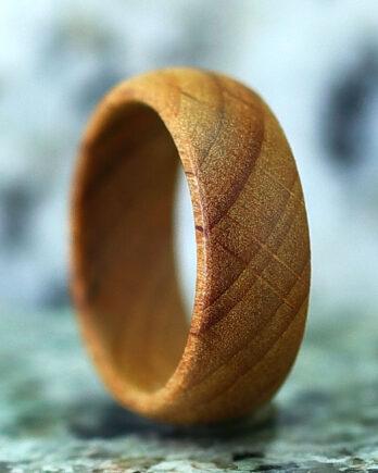 Деревянное кольцо из бука wooden ring beech wood