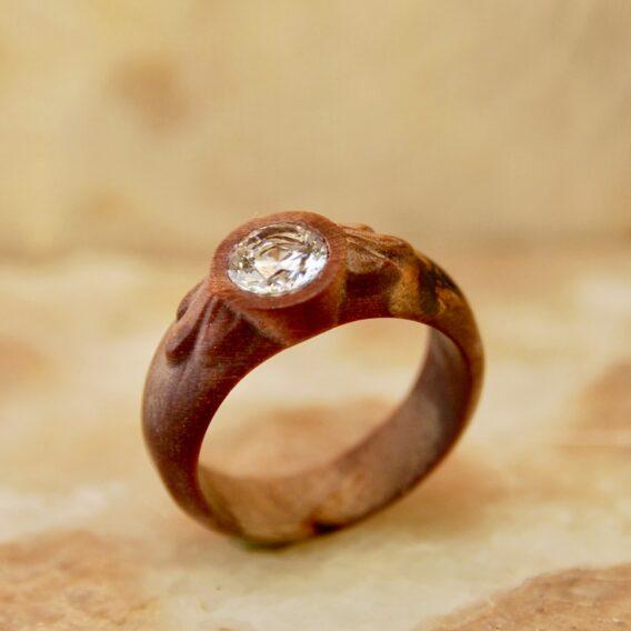 кольцо из стабилизированного дерева, деревянное кольцо из капа, wooden ring, wooden ring with crystal cubic zirconia, natural burl