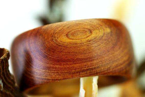Деревянное кольцо из можжевельника кольцо из дерева бижутерия из дерева wooden ring juniper handmade worldwide