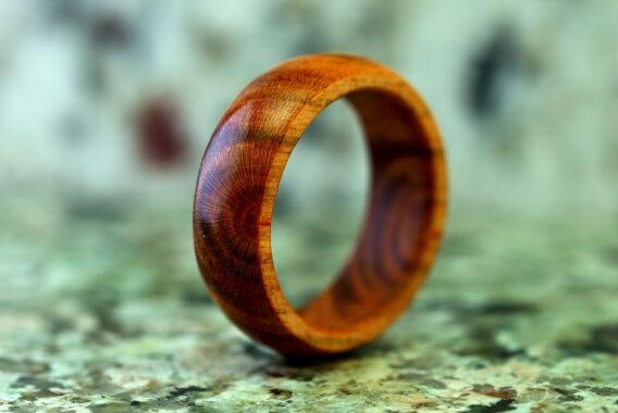 Деревянное кольцо яблоня wooden ring apple украшения из дерева