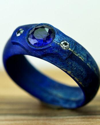 Деревянное кольцо с сапфиром wooden ring blue saphire