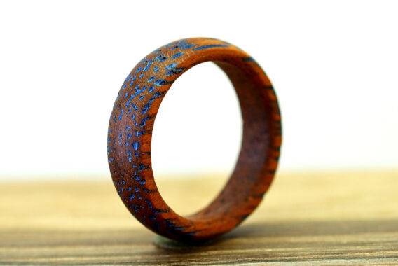 кольцо из дерева мербау, браширование wooden ring brushed merbau